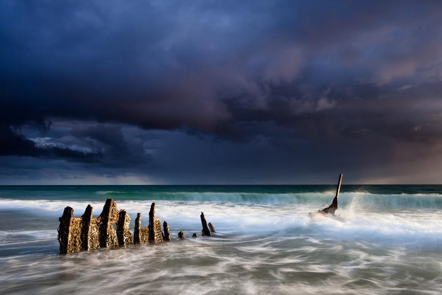 Epave sur la plage de Dicky Beach (Queensland - Australie)